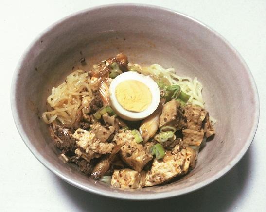 陳麻婆豆腐の素で麻婆麺