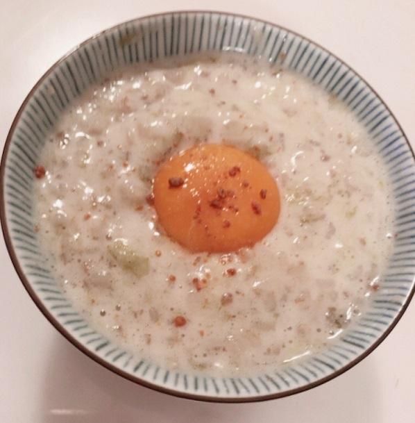 カルディのピリ辛エビ塩を使った卵かけご飯