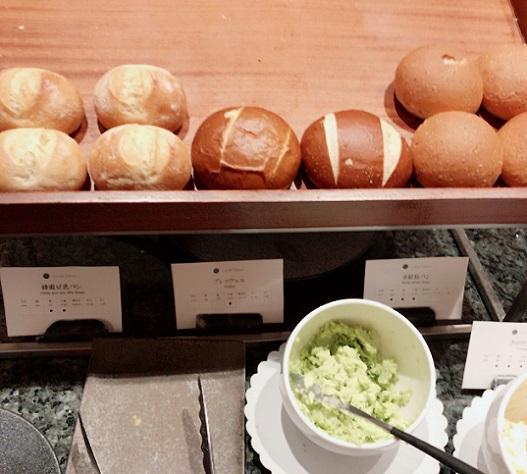 カナデテラス パン