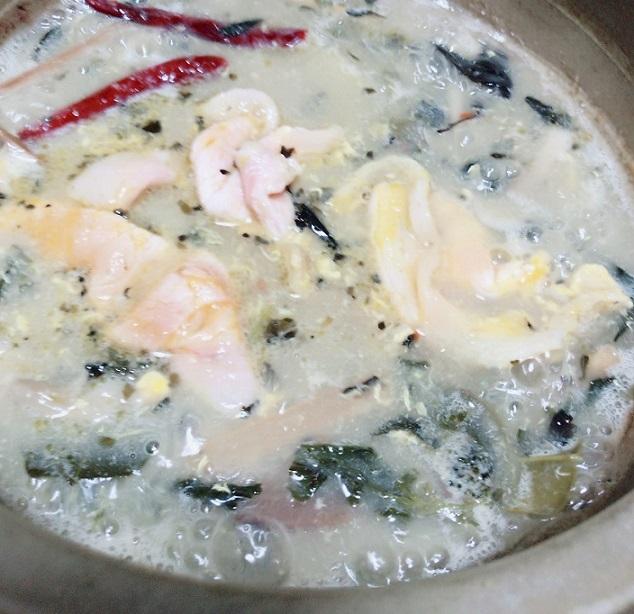 チムチュム鍋 卵とお肉