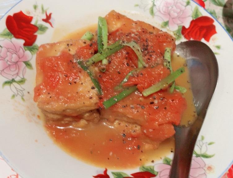 マイマイ 厚揚げのトマトソース煮込み