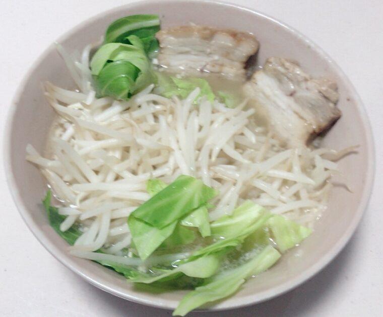 銘店伝説「博多だるま」を野菜マシマシ、ニンニクのアレンジレシピ