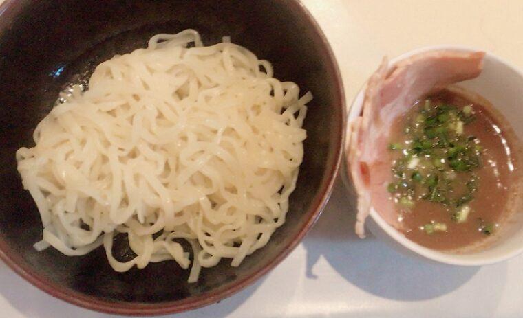アイランド食品 横浜ラーメン吉村家 インスタント生麺をつけ麺にアレンジ