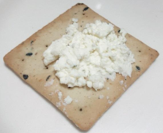 ルディ 前田製菓 五穀たっぷりクラッカーとチーズ