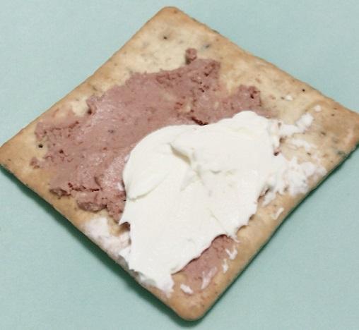 ルディ 前田製菓 五穀たっぷりクラッカー クリームチーズとパテ