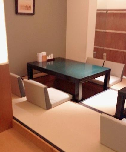 名古屋クラウンホテル 朝食バイキングの席