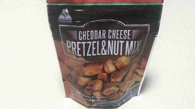 カルディ ペンバートン チェダーチーズ プレッツェル&ナッツミックス