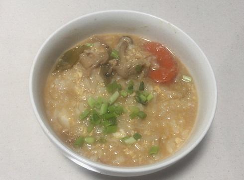 海老仕立て味噌鍋つゆを使った雑炊